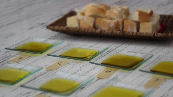Organizar una cata de aceite de oliva en casa